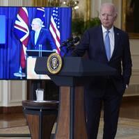 Ledarna för Storbritannien Australien och USA under en gemensam digital presskonferens sent på onsdagskvällen.