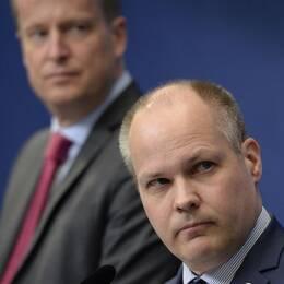 Anders Ygeman, Morgan Johansson och Stefan Löfven.