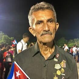 Bernardino Ravelo Perez, 77, berättar för SVT Nyheter om minnet av Fidel Castro vid en flod på 1960-talet.