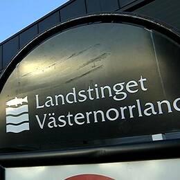 Skylt med texten Landstinget Västernorrland