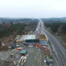 Ekoduktbygget över E6 i Sandsjöbacka norr om Kungsbacka.