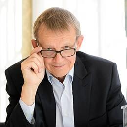 montage. till vänster Hans Rosling. Till höger Uppsala Slott.