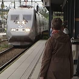 X2000 kommer ankommer Norrköpings central