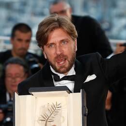 Ruben Östlund med sin Guldpalm