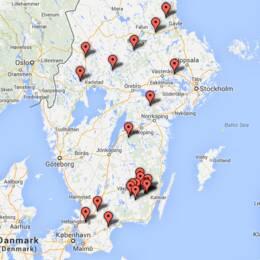 Karta över platserna på akutlistan där 10 av 22 är glasbruk i Småland.
