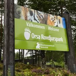 Välkomstskylt i Orsa rovdjurspark