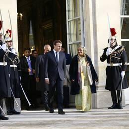 Frankrikes president Emmanuel Macron och Bangladeshs premiärminister Sheikh Hasina vid toppmötet i Paris.