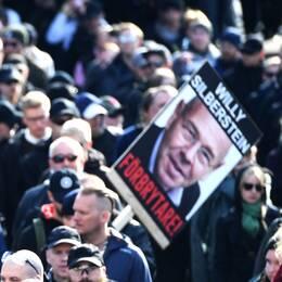 Bild på plakat från NMR:s demonstration i Göteborg