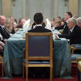 """""""Svenska Akademien befinner sig i en allvarlig kris"""", står det i pressmeddelandet."""