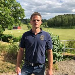 Johan Lundgren framför sin mark på Molstaberg och Palle Borgström på Molstaberg.
