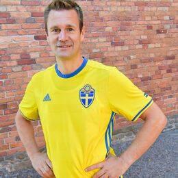 Snart bär det av till fotbolls-VM i Ryssland för Johan Gustafsson, som njuter av att leva ett vanligt liv igen.