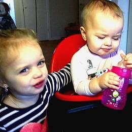Mirabelle och Winthra har fått i sig PFOS genom dricksvattnet hela livet.