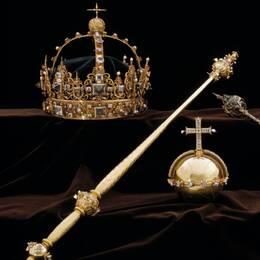 Kungliga regalier stals från en monter i Domkyrkan i Strängnäs. Nu har en person anhållits.
