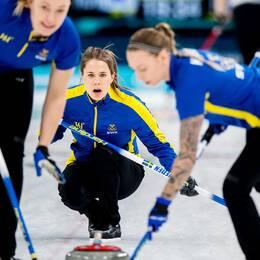 Lag Anna Hasselborg tog tredje raka segern i curlingens World Cup i Kina.