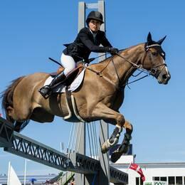 Irma Karlsson på hästen Balahe.