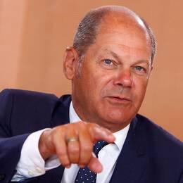 Olaf Scholz pekar.