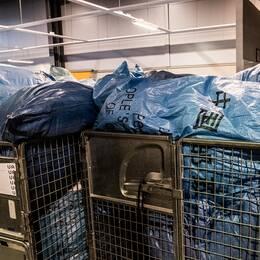 Postnords Sverige-vd Annemarie Gardshol och Postnords terminal på Arlanda i december 2017.