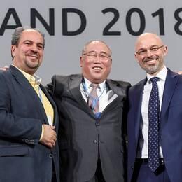 På bilden syns Irans delegationschef Majid Shafiepour Motlagh, Kinas toppförhandlare Xie Zhenhua och Michal Kurtyka, polsk ordförande för klimatmötet i Katowice.