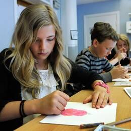 I en klass går det i snitt 19 elever enligt siffror från Skolverket.