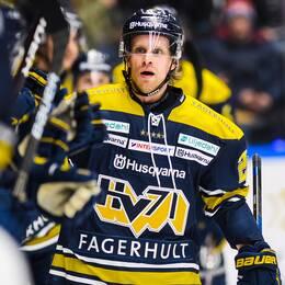HV71:s Mattias Tedenby jublar.