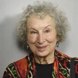 Margaret Atwood och Elisabeth Moss.
