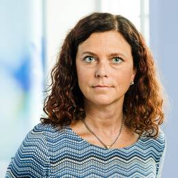 Emma Carlsson Löfdahl (L).