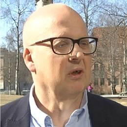 Bild på Bosse Svensson, Centerpartiet och Pär Löfstrand, Liberalerna