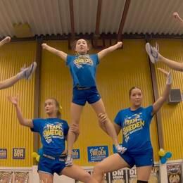 Team Sweden tränar cheerleading inför VM.