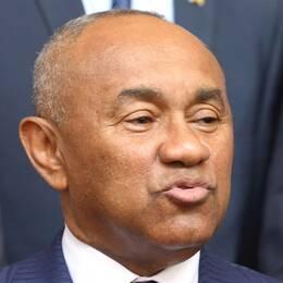 Ahmad Ahmad, vicepresident i Fifa, har släppts av polis och kommer inte att åtalas, enligt AFP.