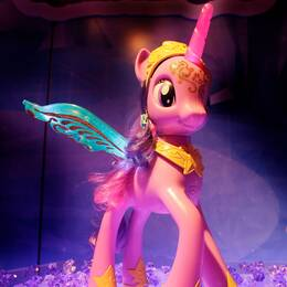 Två nya karaktärer i My little pony för in ett hbtq-perspektiv i serien