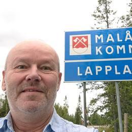 Boxholmaren Mats Lönngren samlar på kommuner. Nu har han varit i Sveriges alla 290.