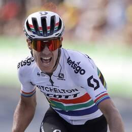 Daryl Impey var först över mållinjen på den nionde etappen av Tour de France.