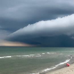 Det här molnet mötte mig och min dotter på vår joggingtur på Löderups strandbad i lördags kväll.