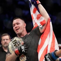 Från vänster: MMA-stjärnan Colby Covington fick stöd av Eric Trump och Donald Trump Jr vid nattens UFC-gala.