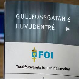 Uppdrag granskning kan avslöja att FOI:s ledning – med generaldirektör Jan-Olof Lind i spetsen – inte bara känt till utan också godkänt det kontroversiella upplägget med KTH som plattform för affären med kinesiska CAE.
