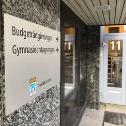 Anders Karlsson är budget- och skuldrådgivare i Västerås stad. Han finns på kontoret på Munkgatan 11.