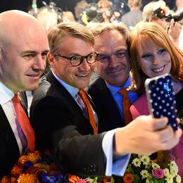 Göran Hägglund (KD) tog många selfies under året – här tillsammans med kollegorna i Alliansen efter Aftonbladets valdebatt.