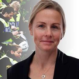Cecilia Jonsson undervisar studenter på polisutbildningen kring sexuella trakasserier och vikten av att anmäla om man blir utsatt.