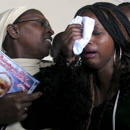 Kenyaner sörjer Angela Nyokabi, student som dödades i mass-slakten på Garissa-universitetet.