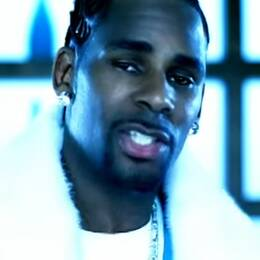"""R. Kelly i musikvideon till """"Ignition (Remix)"""" från 2003."""