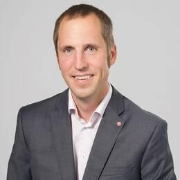 Erik Pelling.