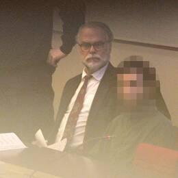 En 20-årig man i norra Storstockholm misstänks för att ha planerat ett terrordåd i Sverige. I hans lägenhet fanns beståndsdelar till vad som skulle bli en självmordsbomb