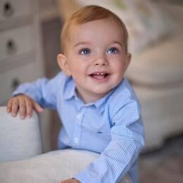 Nya bilder på prins Nicolas på hans ettårsdag