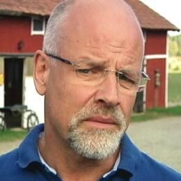 Jacob Spangenberg (C), kommunalråd i Östhammars kommun och en bild på Forsmarks kärnkraftverk.