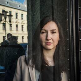 Statsrådet Aida Hadialic åkte fast för rattfylla och avgår