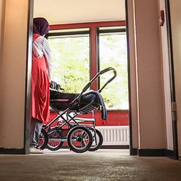 Barnfamiljer som söder asyl i Dalarna får helt olika ekonomiska förutsättningar beroende på vilket boende de hamnar på.