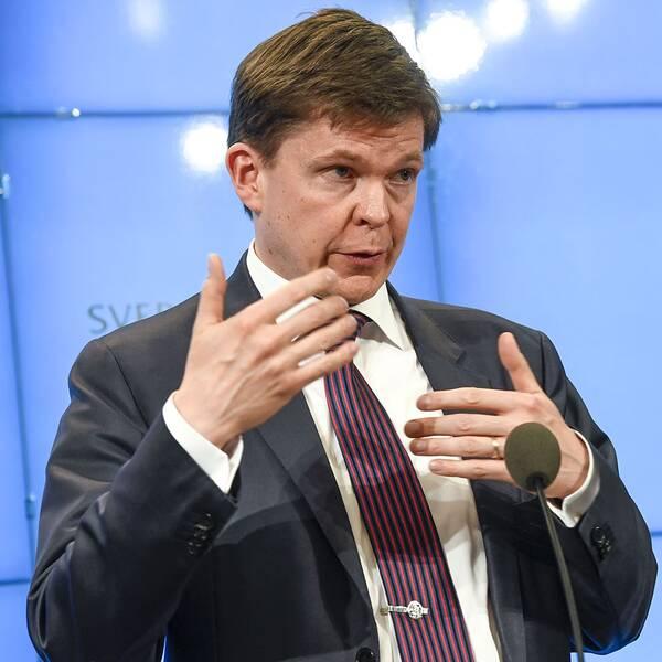 KU:s ordförande Andreas Norlén (M) och utskottets vice ordförande Björn von Sydow (S) håller en pressträff om Riksrevisionen sedan riksrevisor Margareta Åberg begärt att bli entledigad.