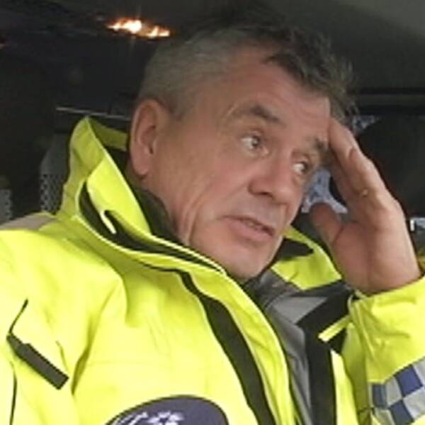 Fredrik har jobbat som polis i nästan 40 år och är kritisk till hur det ser ut på vägarna i dag.