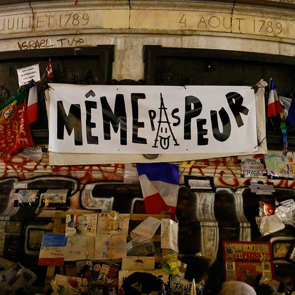 Minnesplatsen vid Place de la République.