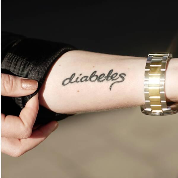 Sofia Larsson-Stern är 23 år, bor i Göteborg och bloggen www.diabetesia.se. Hon har typ 1-diabetes sedan 2008.